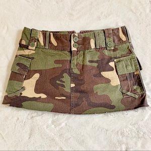 London Jean Chino Camo Short Skirt
